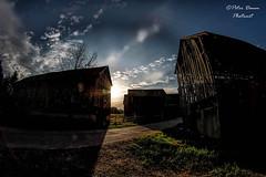 Morning light (Peter Daum 69) Tags: sonnenaufgang sunrise sonnenuntergang licht light sunset color farbe wolken clouds landscape landschaft stimmung moods scenery natur nature scheune mystik dream
