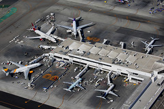 LAX Terminal 2 (Mark Harris photography) Tags: spotting aircraft plane aviation canon lax california losangeles