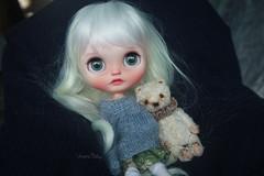 Lilou (umami_baby) Tags: artdoll blythe blonde collectible customblythe customizeddoll doll dollhouse dressup etsy fashiondoll freckles faceup ghost miniature whitehair umamibaby ooak ooakblythe ooakdoll universityoflove whiteblonde lilou