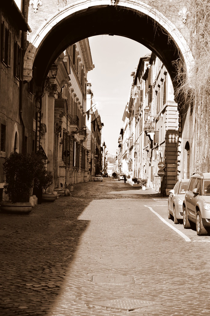 The world 39 s best photos of rome and sepia flickr hive mind for The beehive rome