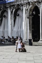 (Brucato Sara) Tags: art summer city venezia estate travel viaggiare colonna architettura colonnato family people