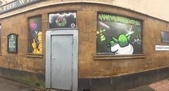 C-3PO flicking the bird (Steven Vacher) Tags: starwars graffiti streetart pub northampton c3po yoda