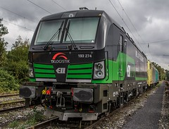 0226_2016_10_04_Wanne_Eickel_wf_ELOC_6193_274_TXLOGISTIC_MRCEdispolok_ES_64_F4_-_089_DISPO_6189_989_ATLU_6185_617 (ruhrpott.sprinter) Tags: ruhrpott sprinter deutschland germany nrw ruhrgebiet gelsenkirchen lokomotive locomotives eisenbahn railroad zug train rail reisezug passenger gter cargo freight fret diesel ellok dampf wanne eickel wanneeickel wf atlu dispo eiffage ell mrcedispolok txlogistik es64u2 es64f4 182 185 189 193 6182 6185 6189 6193 bosporussprinter liebherr zweiwegebagger railroadunit outdoor logo natur graffiti