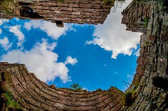 Up the Turret (21mapple) Tags: turret beeston beestoncastle castle ruins canon canoneos750d canon750d canoneos clouds cloudy sky relics englishheritage england eh english elizabethan heritage history historic