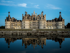 Chteau de Chambord (nschleheck) Tags: chambord chateau de france europe loire loiretcher castle palace king reflection sky water pond mirror illumination night dawn light landmark royal francis valley chteau 41