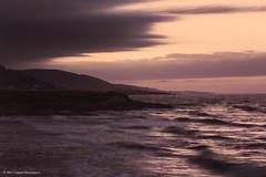 Raging seas at sunset (Daniel Meraviglia-C.) Tags: sunset seascape landscape landscapephotography paisaje paisajecostero marine marcantbrico mar playa beach summer holidays longexposure exposicinlenta fotofrafadenatualeza fotografadepaisajes fotografanocturna puestadesol galicia lugo 50mm rikenon50f2 60d canon60d canon