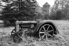 Retired Work Horse 2 - May Valley BW (Don Thoreby) Tags: mayvalley mayvalleywashingtonstate horsefarms farms barns mayvalleyhighway squakmountain autumn fall tractors farmingequipment oldtractor vintagetractor hayrake squakmountainnursery fallcolors mapletrees countrylane vintage weathered derelict rustic