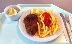 "Breaded fried chicken ""vienna style"" with french fries / Wiener Backhendl mit Pommes Frites (JaBB) Tags: backhendl wienerbackhendl pommesfrites frenchfries ketchup krautsalat coleslaw breadedfriedchicken chicken food lunch essen nahrung nahrungsmittel zitronenecke lemonslice mittagessen kantine betriebsrestaurant"