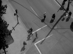 Hollis Street, Halifax, NS (Avard Woolaver) Tags: blackandwhite bw canada photo novascotia shadows noiretblanc aerialview pedestrians intersection halifax crosswalk hrm sociallandscape topf25faves canonpowershota4000