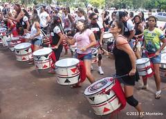 Banda Batal (FC Monteiro) Tags: brazil braslia geotagged df artist mulher mpb brazilian mulheres brasilia artista brasileira batuque batida batera a300 mulherbrasileira batala fccm blococarnavalesco artistabrasileiro alpha300
