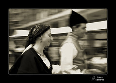 Danza asturiana (Argayu) Tags: blackandwhite blancoynegro blackwhite asturias bn llanera lugodellanera asturies seleccionar d5000 blancuynegru nikond5000 lucusasturum blancuyprietu