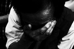 no.938 (lee jin woo (Republic of Korea)) Tags: snap photographer street blackandwhite ricoh mono bw shadow subway self hand gr korea snapshot streetphotograph photography monochrome 흑백사진 거리사진 대한민국