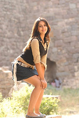 South Actress SANJJANAA Photos Set-4 (41)