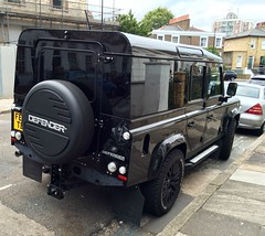 Defender with wrap-around glazing (Sim's pics) Tags: landrover defender 110 specialedition sv lxv black alloywheels hackney london
