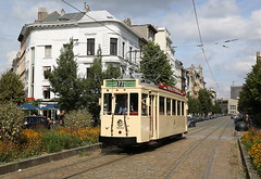 In de bloemen (Maurits van den Toorn) Tags: tram tramway tranvia strassenbahn elctrico villamos streetcar trolley poldertram boerentram antwerpen anvers antwerp nmvb interlokaal interurban volkstraat museumtram