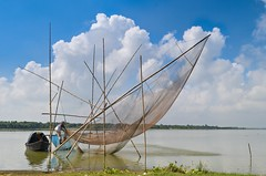 Beautiful motherland! (ashik mahmud 1847) Tags: bangladesh d5100 nikkor beautiful motherland landscape water boat sky cloud blue river dailylife fishing working ngc