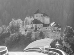 Nuove strade per antiche memorie (Reifenstein) in explore (conteluigi66) Tags: luigiconte ponte strada castello altoadige reifenstein controluce antico nuovo