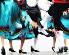 Dancing spirits ( expressing emotions ) Tags: blur desenfoque dance baile legs piernas contraste color