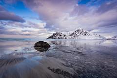 Skagsanden beach (Lukasz Lukomski) Tags: landscape krajobraz norway norwegia norge lofoten island archipelago beach plaa wyspa europe europa nikond7200 sigma1020 woda water sand piasek sky clouds chmury reflection odbicie sea morze
