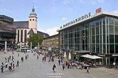 Kln Hauptbahnhof (Stauromel) Tags: klnhauptbahnhof koln kolnhbf colonia estacioncentraldecolonia centralstation trenes alemania stauromel skyline street alquimiadigital canon1dmarkii melilla