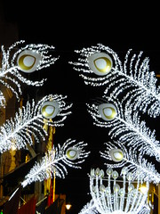 Old Bond Street Festivities (failing_angel) Tags: 111215 cityofwestminster westminster piccadilly oldbondstreet