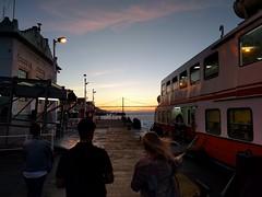 Going to the Ferry (52er Bild) Tags: sunset lisboa cacilhas portugal ferry fhre lissabon nexus 5x udosteinkamp tejo rio sonnenuntergang ponte25deabril