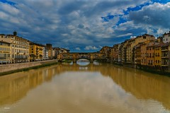 Puente Vecchio (CROMEO) Tags: puente vecchio bridge point viejo florencia firence firenze florence italy italia city center turismo turism best people ciudad town amazing place arquitectura building river rio cromeo cr photo photography view clouds nubes sky colors euro europe