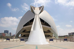 Valencia - City of Arts and Sciences 43 (Romeodesign) Tags: santiago valencia architecture modern spain opera empty rear entrance front symmetry calatrava ciudaddelasartesylasciencias flixcandela cityofartsandsciences 550d elpalaudelesartsreinasofa