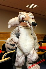 Scrat (escritorio47) Tags: mandy light ice del canon buzz toy toys 1 crazy san panda y sebastian c flash year lion disney story gustavo leon age biblioteca uno pixar universidad era luis kung fu 36 polo hielo uss metz vivo menos scrat fernandez t3i locura polito zamudio jirafa frontis locuras photographies 600d af5