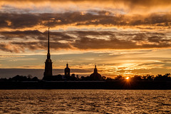 Peter and Paul Fortress, Saint Petersburg (Mild Delirium) Tags: city sunset summer sky naturaleza nature clouds ro river atardecer evening russia outdoor dusk ciudad cielo nubes verano saintpetersburg ru fortress rusia            fujinonxf1655mmf28rlmwr xf1655mm fujifilmxt10