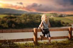 ... painting by the sun ... (Margarita K...) Tags: southwales south wales beautifulwales llandegfedd reservoir lake water waterenvirons landscape waterscape child childhood fairytales girl portrait ngc sunset goldenhour gold golden nikon d5200 mkphotography margaritakphotography wow