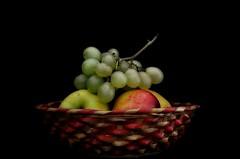 Fuori piove ... (Fabio Polimadei) Tags: fruit stilllife simplicity composition