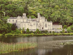 Kylemore Abbey (lgebelin) Tags: kylemoreabbey kylemore ireland cogalway connemara castle abbey old ancient attraction lake