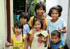 children (the foreign photographer - ) Tags: six children khlong thanon portraits bangkhen bangkok thailand canon kiss 400d