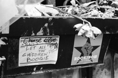 Bowie memorial (Jim Davies) Tags: photography analogue film veebotique 35mm olympus om10 50mm slr 400asa monochrome analog kodak bw400cn chromogenic c41 nyc newyorkcity usa america city metropolis manhattan soho wuzwuz bowie memorial