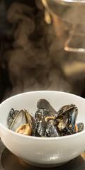 Hotel Guldsmeden50 (DebioNorge) Tags: blåskjell enkel foredling foredlingsindustri industri kjøkken mat matlaging matvarer produkter servering sjøprodukter skjell svart varer videreforedling