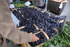 276-366, die letzten Pflaumen ... (julia_HalleFotoFan) Tags: pflaumen zwetschgen obst früchte essen herbstmarkt bauernmarkt hallesaale