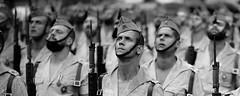 La legin (Testigo Indirecto) Tags: legion legin soldiers unit unidad force army parade desfile blackandwhite spain espaa 12oct