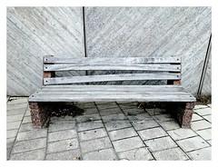 bench (liljeholmen) (Kroons Kollektion) Tags: sofa soffa liljeholmen stockholm kroonskollektion kroons annkroon kk trsoffa betong concrete lines linjer wood woodensofa grey gray gr cigarettebutts fimpar glasskedar icecreamspoons