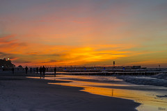 Beach in Koobrzeg at sunset - Poland (fototaza) Tags: koobrzeg colour sea breakwater poland