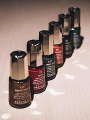 Fotosndag - Rad (Pilleluringen) Tags: fs161016 rad fotosondag fotosndag nagellack nailpolish row bottles color colour