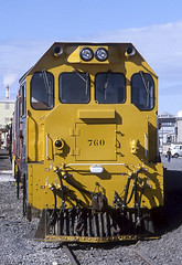 19780901_F10115_APSPII-50 Dg760 (new cab) (johnstewartnz) Tags: asahipentaxspii asahipentax asahipentaxspotmaticii spotmaticii film scan epson epsonv700 v700 nzr newzealandrailways hornby hornbycentennial1978 dg englishelectric newcab dg760 takumar 50mm m42
