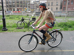IMG_0714 (Planetgordon.com) Tags: bike manhattanbridge bikelane biketoworkday streetsblog