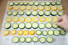 20 - Zucchini mit Salz bestreuen / Salt zucchini (JaBB) Tags: food cooking dinner recipe lunch baking milk potatoes essen cinnamon tomatoes garlic eggs onion zucchini flour mehl chives tomaten mittagessen oregano feta redonion zwiebel abendessen backen kartoffeln milch knoblauch kochen eier moussaka schnittlauch nahrung hackfleisch rezept nahrungsmittel zimt groundmeat rinderhack rotezwiebel kochexperimente kochexperiment beefgroundmeat