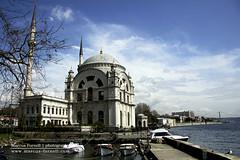 Dolmabahe Camii, Istanbul (marcusfornell) Tags: turkey religious muslim islam religion istanbul mosque trkei cami dolmabahce bosphorus camii bosporus kabatas iskelesi dolmabahecamii