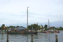 Zwei Hollender in Altefhr (Carl-Ernst Stahnke) Tags: segelboot holland skipper altefhr hafen strelasund