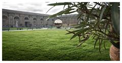 Sfera con sfera (memories-in-motion) Tags: sphere sferaconsfera vatica museum rom rome roma art ricoh gr garden zentralperspektive sfera iso200 f56 1180sec green