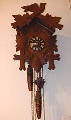 ** Mon vieux coucou ** (Impatience_1 (Peu...ou moins prsente)) Tags: coucou cuckooclock horloge clock uhr reloj relogio orologio heure time m impatience