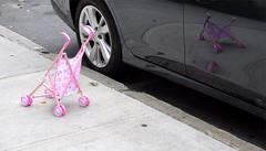 Vehicles (IamBen.) Tags: kind rosa brgersteig sidewalk car nyc