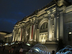 Metropolitan Museum of Art Night Fountains 5043 (Brechtbug) Tags: metropolitan museum art lobby exterior facade front entrance stairs outside building new york city summer 09102016 nyc cityscape east skyline urban afternoon july 2016 arts gallery buildings sculpture architecture statue crowd crowds met museums manhattan uptown 5th ave fifth avenue arch arches nite night time evening fountain fountains